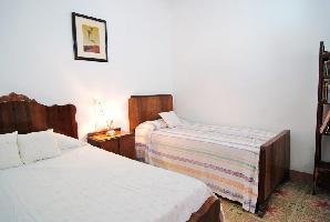 562278) Casa En El Centro De Pineda De Mar Con Aparcamiento, Jardín, Lavadora