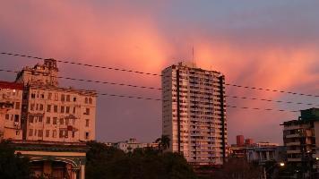433905) Apartamento En La Habana Con Aire Acondicionado, Terraza