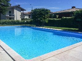 637823) Apartamento En Desenzano Del Garda Con Aparcamiento, Terraza, Jardín, Lavadora