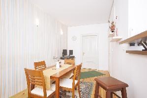 650742) Apartamento A 99 M Del Centro De Sarajevo Con Balcón, Lavadora