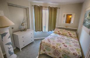 515270) Apartamento En Indian Rocks Beach Con Aire Acondicionado, Aparcamiento
