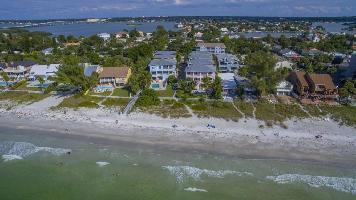 515281) Casa A 495 M Del Centro De Indian Rocks Beach Con Aire Acondicionado, Aparcamiento