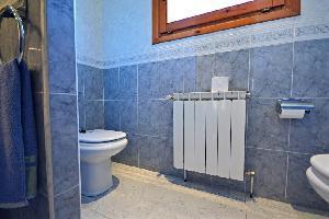 515875) Apartamento En Sant Pere Pescador Con Terraza, Jardín, Lavadora