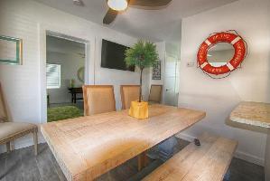 647605) Casa En El Centro De Indian Rocks Beach Con Aire Acondicionado