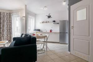 537227) Apartamento En El Centro De Pozna? Con Internet, Ascensor, Aparcamiento, Balcón