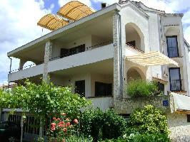 352393) Apartamento En El Centro De Malinska Con Aparcamiento, Terraza