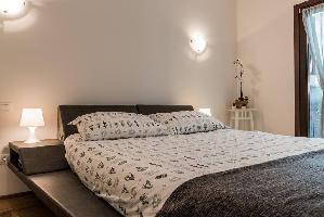 550606) Apartamento En El Centro De Case Sambugole Con Aire Acondicionado, Aparcamiento, Lavadora
