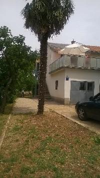 464006) Apartamento En El Centro De Malinska Con Aire Acondicionado, Aparcamiento, Terraza
