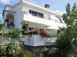 485628) Apartamento En El Centro De Malinska Con Aire Acondicionado, Aparcamiento, Terraza, Balcón