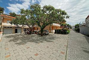 460444) Apartamento En El Centro De Rab Con Aparcamiento, Terraza, Balcón
