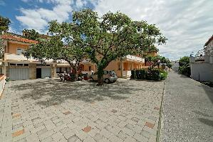 460445) Apartamento En El Centro De Rab Con Aire Acondicionado, Aparcamiento, Terraza, Balcón