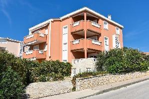 532217) Apartamento En El Centro De Novalja Con Internet, Aire Acondicionado, Aparcamiento, Balcón