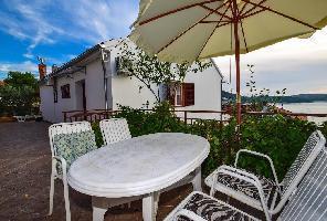 331828) Apartamento En El Centro De Tisno Con Aire Acondicionado, Balcón
