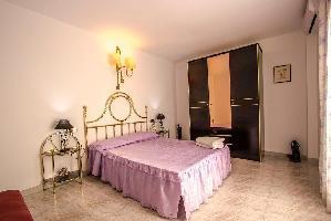 561618) Villa En Cubelles Con Piscina, Aire Acondicionado, Lavadora
