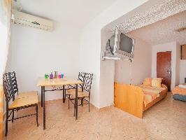 466768) Apartamento En El Centro De Kalu?erac Con Aire Acondicionado, Aparcamiento, Terraza