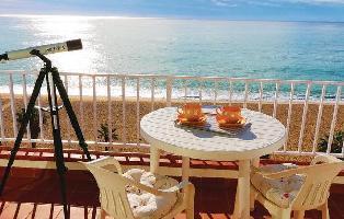 454993) Apartamento En El Centro De Canet De Mar Con Aire Acondicionado, Jardín