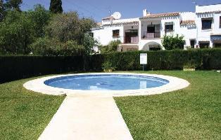 73303) Casa En El Centro De Nerja Con Internet, Piscina, Aire Acondicionado, Jardín