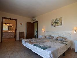 647250) Casa En Cartagena Con Piscina, Aire Acondicionado, Balcón