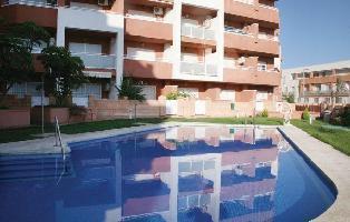 266117) Apartamento A 1 Km Del Centro De Roquetas De Mar Con Internet, Piscina, Terraza, Lavadora