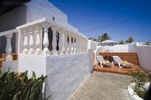 54215) Villa En Tías Con Piscina, Aire Acondicionado, Aparcamiento, Terraza