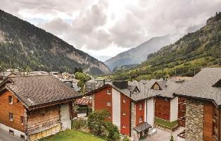 511245) Apartamento En El Centro De Leukerbad Con Aparcamiento, Terraza, Lavadora