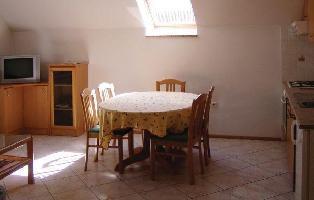 204913) Apartamento En El Centro De Bovec Con Internet, Aire Acondicionado, Jardín