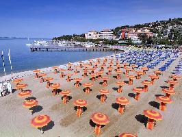 337293) Apartamento En Piran Con Aire Acondicionado, Aparcamiento, Terraza, Jardín