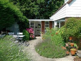 503278) Casa A 1.4 Km Del Centro De Noordwijkerhout Con Aparcamiento, Terraza, Jardín