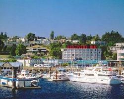 Hotel Coast Discovery Inn & Marina
