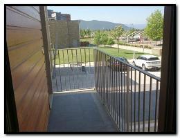 532895) Apartamento En Sabiñánigo Con Ascensor, Aparcamiento, Terraza, Jardín
