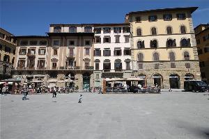 552468) Apartamento En El Centro De Florencia Con Aire Acondicionado, Ascensor, Balcón, Lavadora