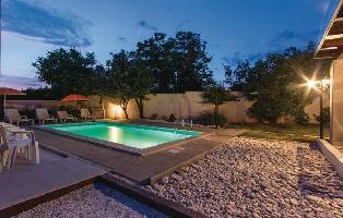 55807) Casa En Pula Con Internet, Piscina, Aire Acondicionado, Jardín