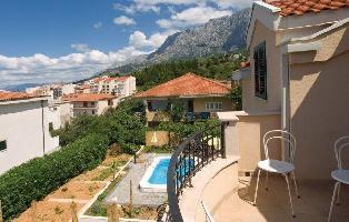 149063) Apartamento En El Centro De Makarska Con Internet, Piscina, Aire Acondicionado, Jardín