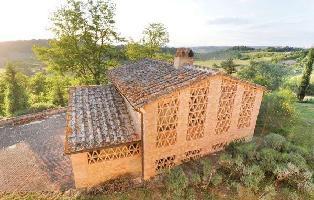 160993) Casa En Poggibonsi Con Jardín, Lavadora