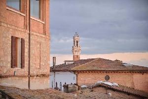 552604) Apartamento En El Centro De Siena Con Aire Acondicionado, Ascensor, Lavadora