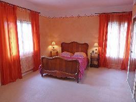 54999) Villa A 543 M Del Centro De Narbona Con Piscina, Aire Acondicionado, Aparcamiento, Lavadora