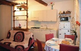 616528) Apartamento En El Centro De Génova Con Internet