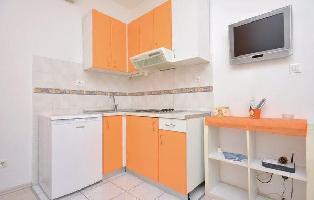 173595) Apartamento En El Centro De Split Con Internet, Aire Acondicionado, Lavadora