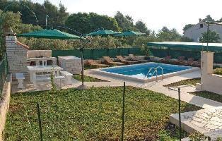 174429) Apartamento A 150 M Del Centro De Korcula Con Internet, Piscina, Aire Acondicionado, Jardín