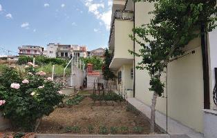 175061) Apartamento En El Centro De Podstrana Con Internet, Aire Acondicionado, Jardín
