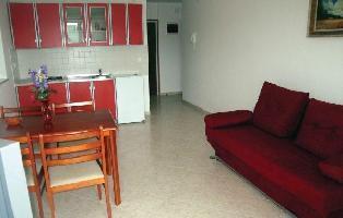 176443) Apartamento En El Centro De Rabac Con Internet, Aire Acondicionado, Jardín