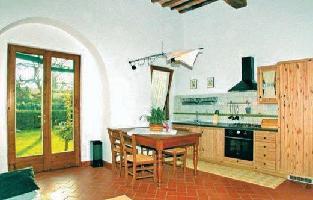 73225) Casa En Poggibonsi Con Internet, Piscina, Jardín, Lavadora