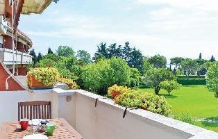 89645) Apartamento En El Centro De Desenzano Del Garda Con Piscina, Jardín