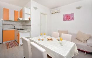 207863) Apartamento En El Centro De Split Con Internet, Aire Acondicionado, Lavadora