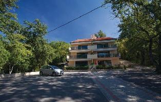 234537) Apartamento A 425 M Del Centro De Omi?alj Con Aire Acondicionado, Jardín, Lavadora