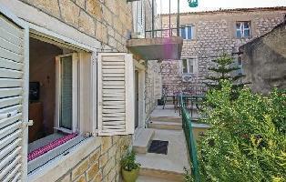 307498) Apartamento En El Centro De Makarska Con Internet, Aire Acondicionado, Jardín, Lavadora