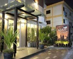 Hotel April Suites