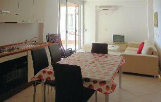 205837) Apartamento A 1.4 Km Del Centro De Sarandë Con Aire Acondicionado