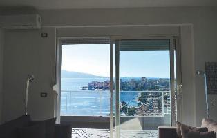 227449) Apartamento A 1.1 Km Del Centro De Sarandë Con Internet, Aire Acondicionado, Lavadora