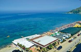 229775) Apartamento A 1.2 Km Del Centro De Durrës Con Internet, Aire Acondicionado, Aparcamiento, La